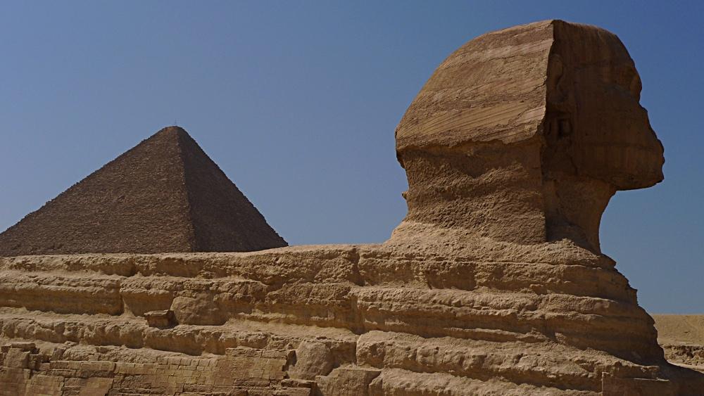 sphinx_pyramid